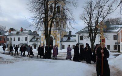 В Неделю Торжества Православия, 21 марта, в Коневском Рождество-Богородичном монастыре совершены праздничные богослужения.